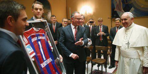 Nach 7:1 gegen AS Rom: Papst Franziskus empfängt FC Bayern