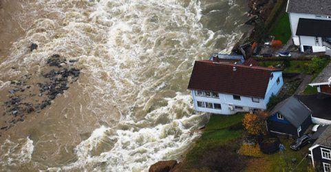 Heftige Regenfluten spülten in Norwegen ganze Häuser weg