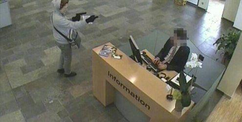 Überfall mit Faschingsmaske - Räuber fasst zehn Jahre Haft aus