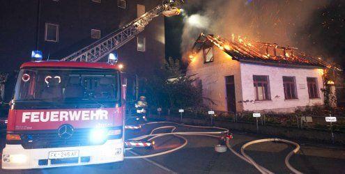 Großeinsatz: Leerstehendes Gebäude in Feldkirch abgebrannt