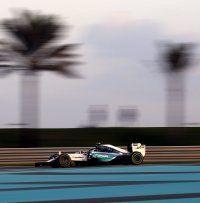 Nico Rosberg rast in Abu Dhabi zur Tagesbestzeit