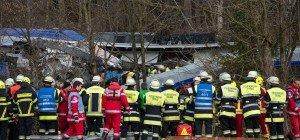 Lob für bayerische Rettungskräfte nach Zugunglück in Bad Aibling