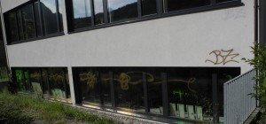 Schule und Sportheim in Bludenz besprüht
