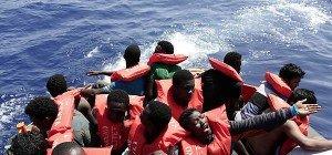 Binnen vier Tagen 13.000 Flüchtlinge in Italien eingetroffen