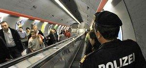 Taschendiebinnen am Wiener Karlsplatz in flagranti erwischt