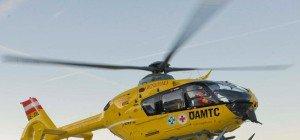 Vorarlberg: Motorradfahrerin nach Kollision mit Pkw schwer verletzt