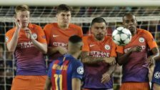 Barca besiegt City klar  - Arsenal mit Kantersieg
