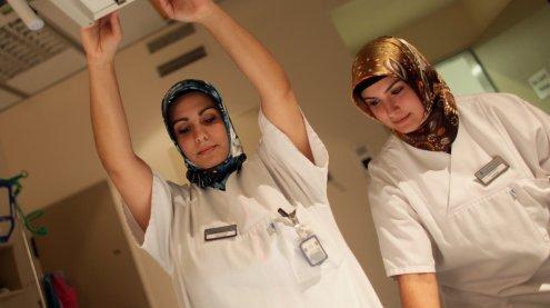 Jobabsage: Arzt in Bregenz lehnt Türkin (32) wegen Kopftuch ab