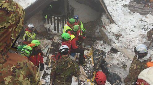 Lawine in den Abruzzen: Schon 14 Tote – 15 Personen noch vermisst