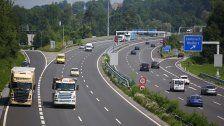 Autofahrerin stoppt Geisterfahrer auf A14