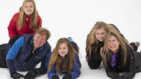 Trotz Schneefall: Königsfamilie strahlte in Lech in die Kameras