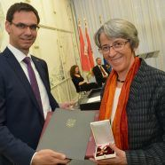 Auszeichnungen für verdiente Landesbürgerinnen und -bürger