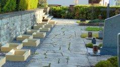 Neue Erdurnengräber am Friedhof Röthis
