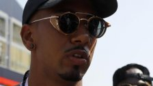 Ratloser Hamilton stichelt gegen Ferrari