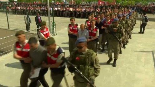 Türkei: Prozess gegen über 200 mutmaßliche Putschisten startet