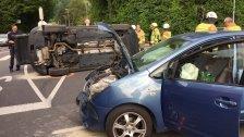 Pkw liegt nach Unfall in Dornbirn auf der Seite