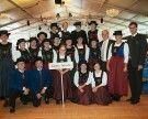 Trachtenklang Schlins – Große Gruppe beim Landestrachtentag in Lech