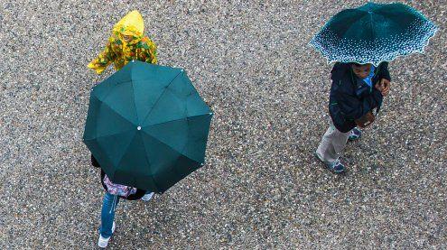 Durchhalten! Die Regenschirme können bald geschlossen werden