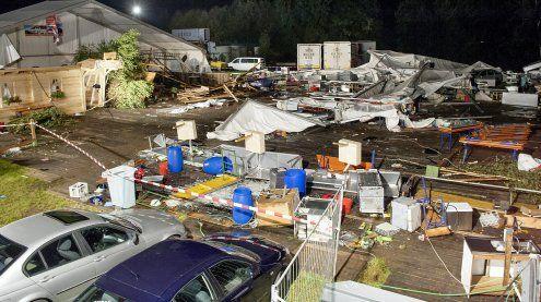 Sturm bringt Festzelt in OÖ zum Einstürzen: Zwei Menschen tot