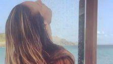Kritik: Heidi Klum postetOben-ohne Duschvideo