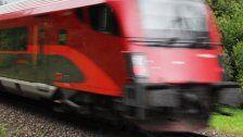 Betrunkener auf Gleis – Zugverkehr gestoppt